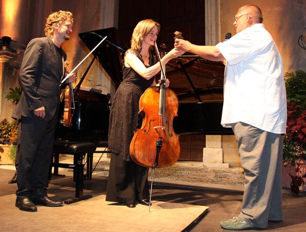 Remy Franck presentingthe award to  Tanja  and Christian Tetzlaff (c)  Patrick Varotto
