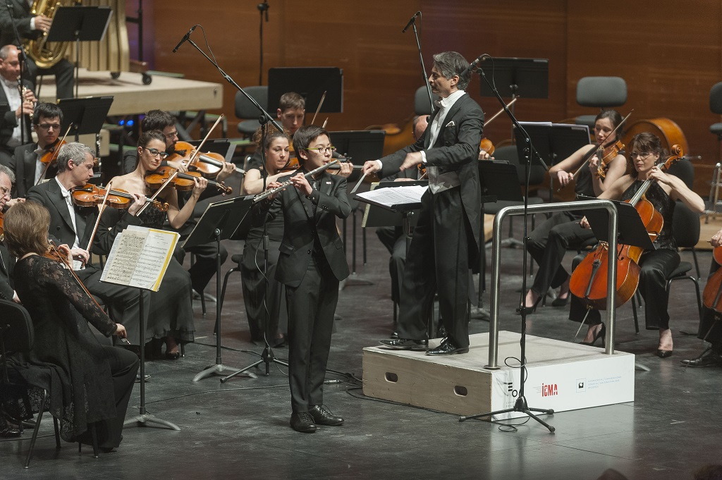Nikolai Song at the ICMA Gala Concert in San Sebastian with the Euskadi Orchestra and conductor Jun Märkl © Juantxo Egana.jpg