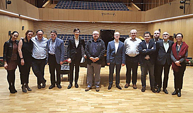The Jury with pianists Lukasz Krupinski (left of ICMA President Remy Franck) and Konrad Skolarski (right) as well as representatives from the Ludwig van Beethoven Association