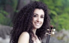 Violinist Chouchane Siranossian: « Musical expression comes more from the right hand then from the left hand »