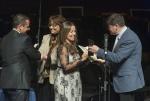 Special Achievement Award - Dinorah Varsi Legacy Mauricio Varsi_Michelle_Debra_Anna_Laura_Varsi_&_Jury_member_Roman_Berchenko © Juantxo Egana.JPG
